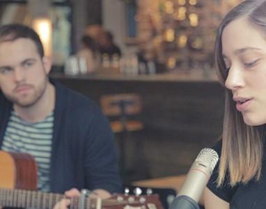 Flóra&Bálint Acoustic